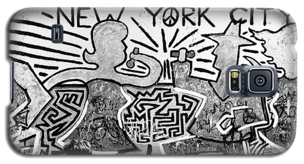 Galaxy S5 Case featuring the photograph New York City Graffiti by Dave Beckerman