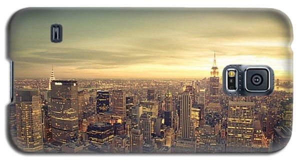 City Sunset Galaxy S5 Case - New York City - Skyline At Sunset by Vivienne Gucwa