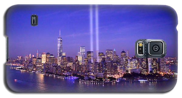 New York City Tribute In Lights World Trade Center Wtc Manhattan Nyc Galaxy S5 Case by Jon Holiday