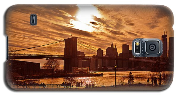 New York Skyline And Brooklyn Bridge -- Late Afternoon Galaxy S5 Case by Mitchell R Grosky