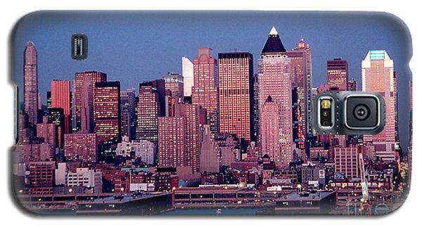 New York Skyline At Dusk Galaxy S5 Case