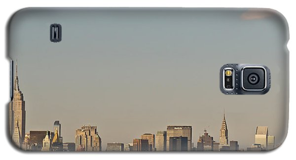 Galaxy S5 Case featuring the photograph New York City Skyline by Kerri Farley
