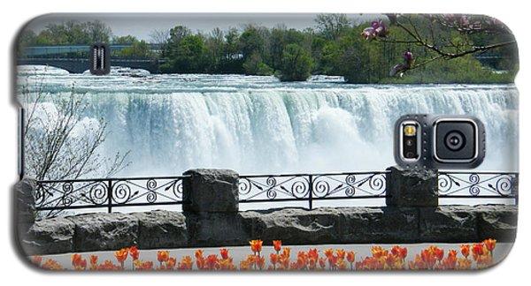 Niagara - Springtime Tulips Galaxy S5 Case by Phil Banks