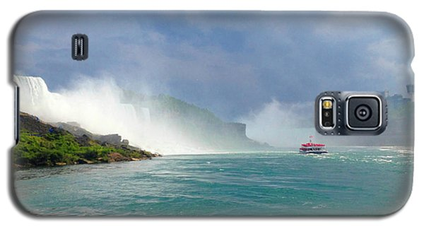 Galaxy S5 Case featuring the photograph Niagra by Linda Mesibov