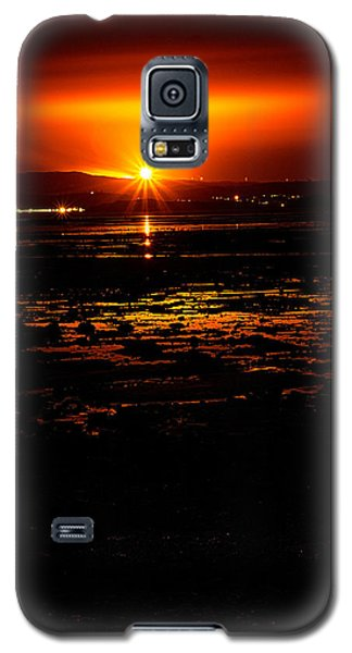 Night Flare. Galaxy S5 Case by Lenny Carter