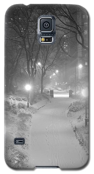 Galaxy S5 Case featuring the photograph Night Storm New York by Dave Beckerman