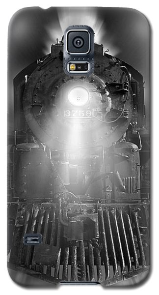 Night Train On The Move Galaxy S5 Case by Mike McGlothlen