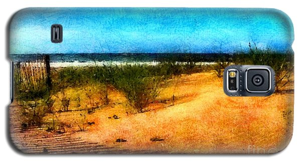 Galaxy S5 Case featuring the painting North Carolina Coast by Elizabeth Coats