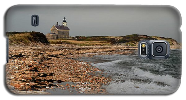 Galaxy S5 Case featuring the photograph North Light Block Island by Nancy De Flon