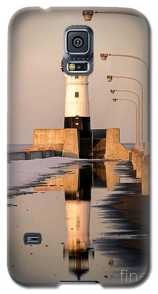 Galaxy S5 Case featuring the photograph North Pier Sunset Melt by Mark David Zahn