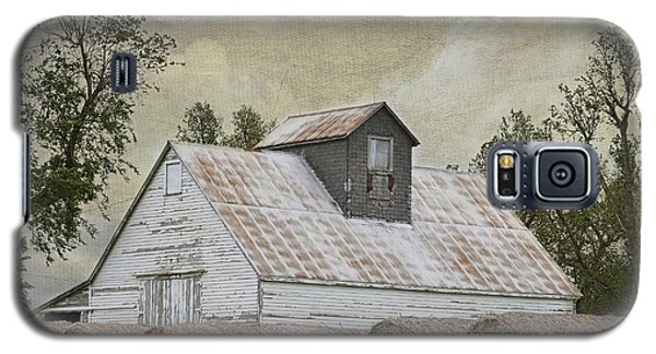 Galaxy S5 Case featuring the photograph Nortonville Kansas by Liane Wright