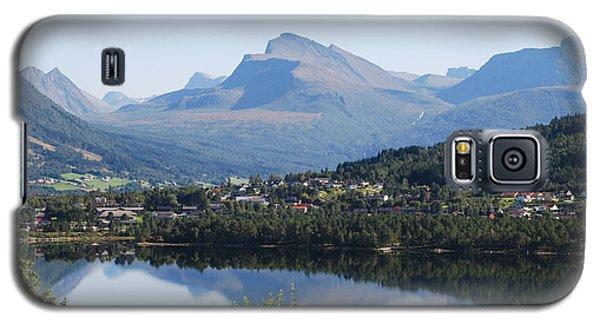 Norwegian Mountain Lake Galaxy S5 Case