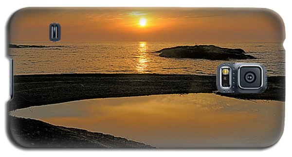 Galaxy S5 Case featuring the photograph November Sunrise II - Lake Superior by Sandra Updyke