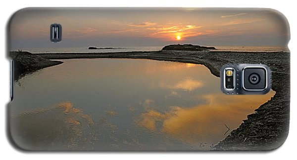 Galaxy S5 Case featuring the photograph November Sunrise-lake Superior by Sandra Updyke
