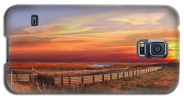 November Sunset On The Cattle Pens Galaxy S5 Case by Rod Seel