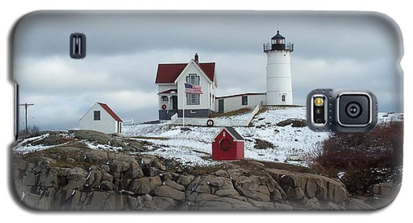 Galaxy S5 Case featuring the photograph Nubble Light In December by Barbara McDevitt