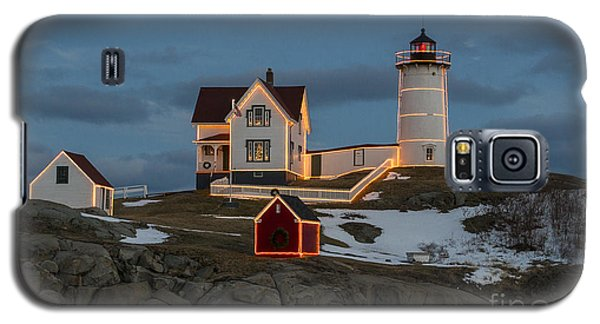 Nubble Lighthouse At Christmas Galaxy S5 Case by Steven Ralser