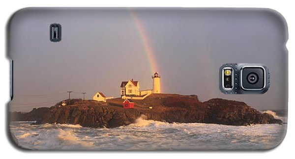 Nubble Lighthouse Rainbow And High Surf Galaxy S5 Case by John Burk