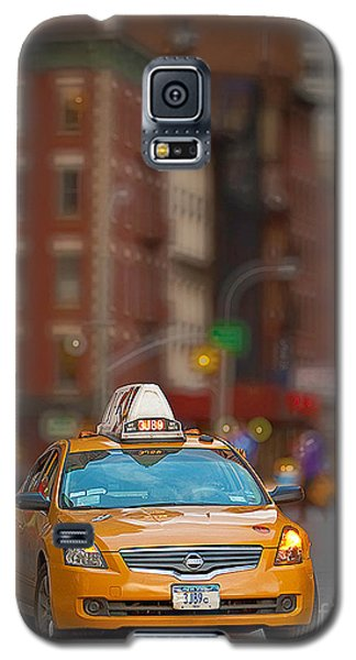 Galaxy S5 Case featuring the digital art Taxi by Jerry Fornarotto