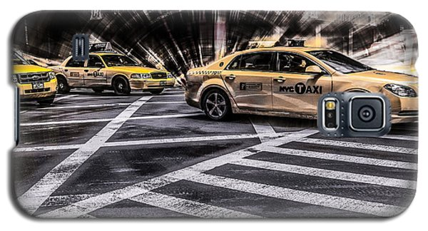 Nyc Yellow Cab On 5th Street - White Galaxy S5 Case