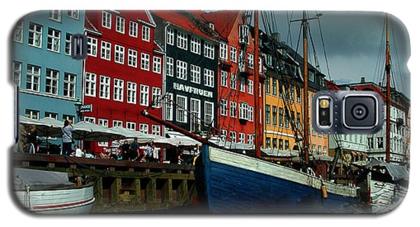 Galaxy S5 Case featuring the photograph Nyhavn Copenhagen by Colette V Hera  Guggenheim
