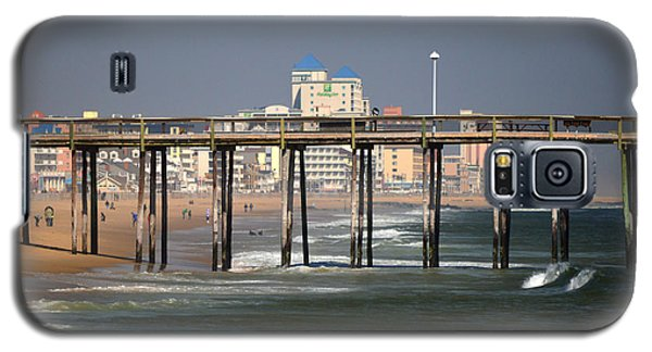 Galaxy S5 Case featuring the photograph Ocean City Fishing Pier In January by Bill Swartwout