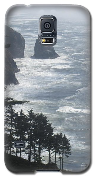 Galaxy S5 Case featuring the photograph Ocean Drop by Fiona Kennard