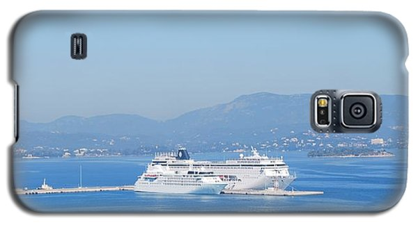 Ocean Liners In Corfu Galaxy S5 Case by George Katechis