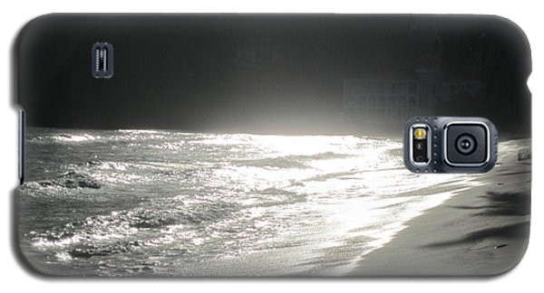 Galaxy S5 Case featuring the photograph Ocean Smile by Fiona Kennard