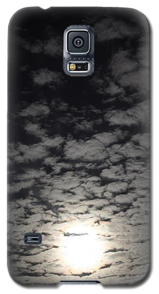 Galaxy S5 Case featuring the pyrography October Moon by Joel Loftus