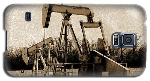 Oil Pump Jack In Sepia Galaxy S5 Case by Ann Powell