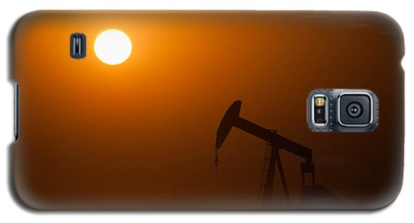 Oil Rig Pumping At Sunset Galaxy S5 Case