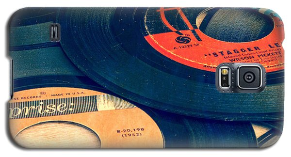 Music Galaxy S5 Case - Old 45 Records Square Format by Edward Fielding