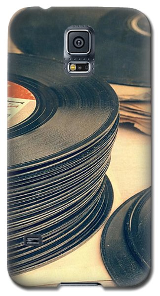 Music Galaxy S5 Case - Old 45s by Edward Fielding