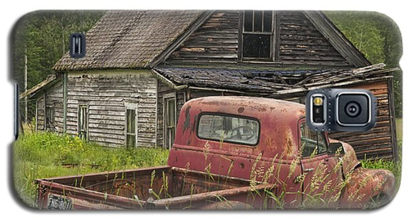 Old Abandoned Homestead And Truck Galaxy S5 Case