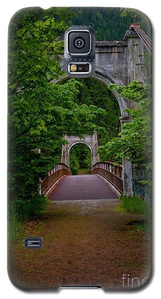 Old Alexandra Bridge Galaxy S5 Case by Rod Wiens