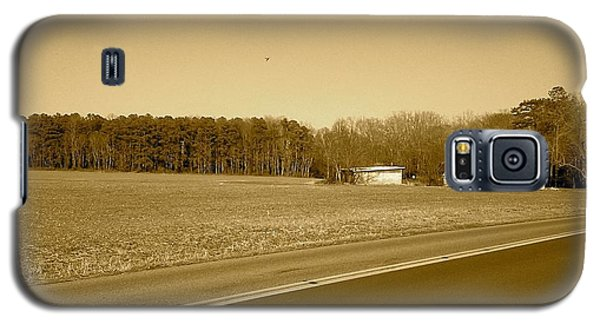 Old Barn And Farm Field In Sepia Galaxy S5 Case by Amazing Photographs AKA Christian Wilson