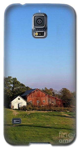 Old Barn At Sunset Galaxy S5 Case
