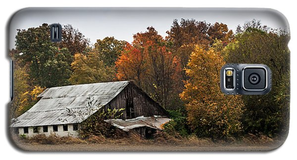 Galaxy S5 Case featuring the photograph Old Barn by Debbie Green