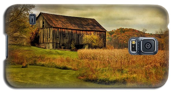 Old Barn In October Galaxy S5 Case