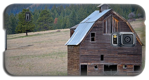 Old Barn In Washington Galaxy S5 Case