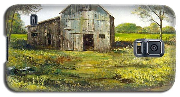 Galaxy S5 Case featuring the painting Old Barn by Lee Piper
