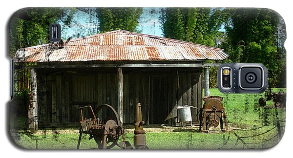 Galaxy S5 Case featuring the photograph Old Barn by Therese Alcorn