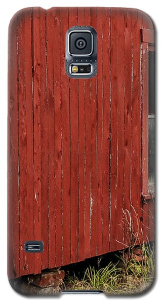 Galaxy S5 Case featuring the photograph Old Barn Window by Debbie Karnes