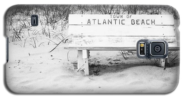 Old Beach Bench Galaxy S5 Case by Bob Decker