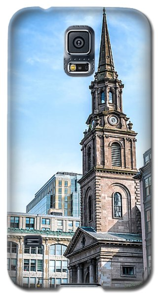 Galaxy S5 Case featuring the photograph Old Boston by Boris Mordukhayev