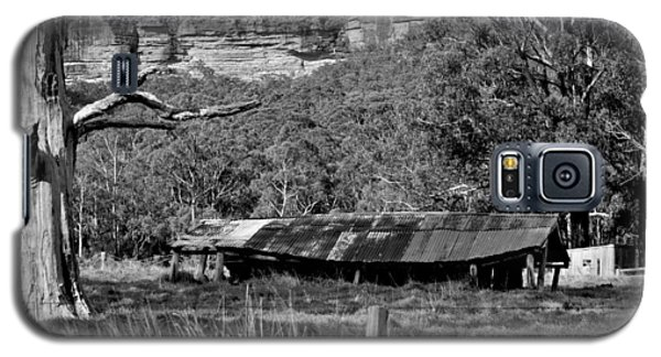Galaxy S5 Case featuring the photograph Old Bush Shed by Marty  Cobcroft