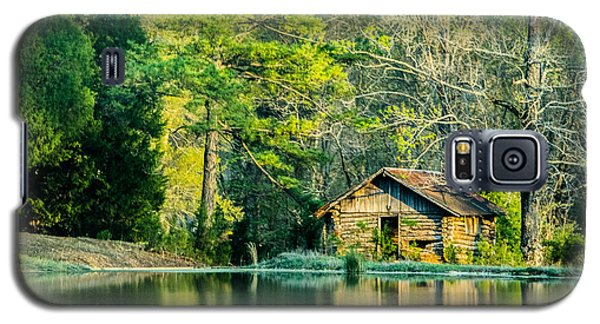 Old Cabin By The Pond Galaxy S5 Case