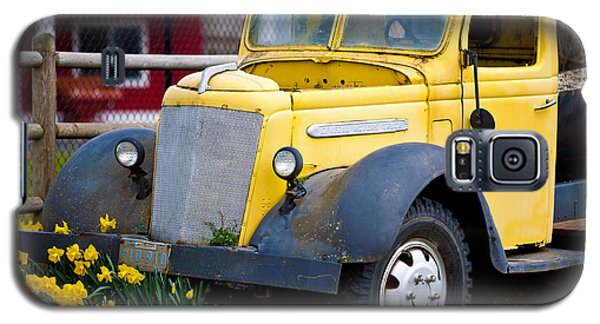 Old Car 3 Galaxy S5 Case by Niels Nielsen