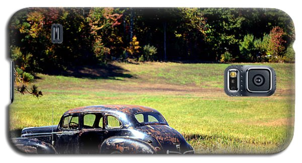 Old Car In A Meadow Galaxy S5 Case
